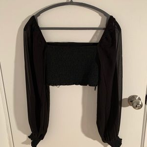Forever 21 black crop top with puffed sleeves